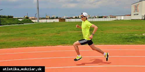 obr: Muha v Atletickej lige vo finálovom behu na 800m