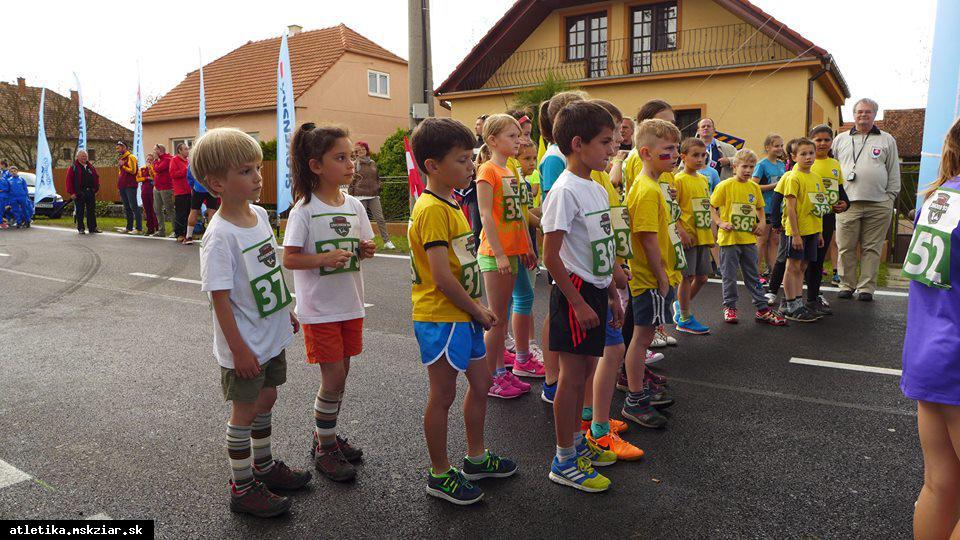 obr: Naši chodci na medzinárodných pretekoch v Borskom Mikuláši