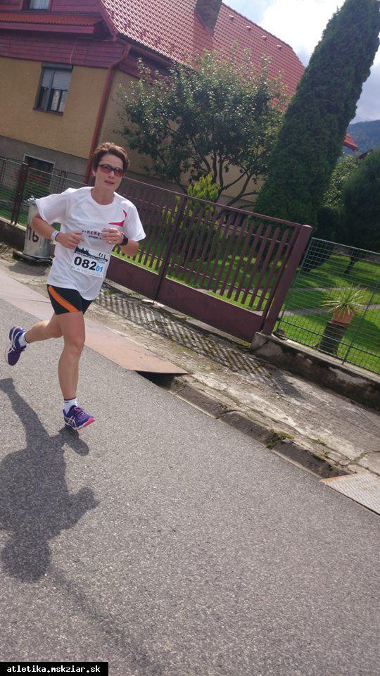obr: Marcela Kocholová prvá vo svojej kategórií na Banskobystrickom polmaratóne